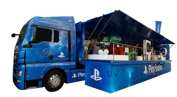 PlayStation Truck 01